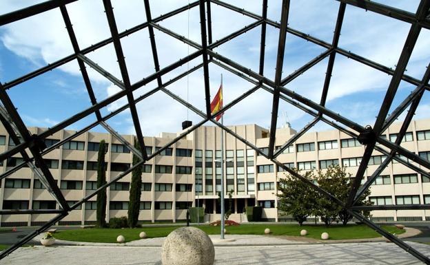 El Centro Nacional de Inteligencia (CNI) destapa una red de espionaje de alto nivel.
