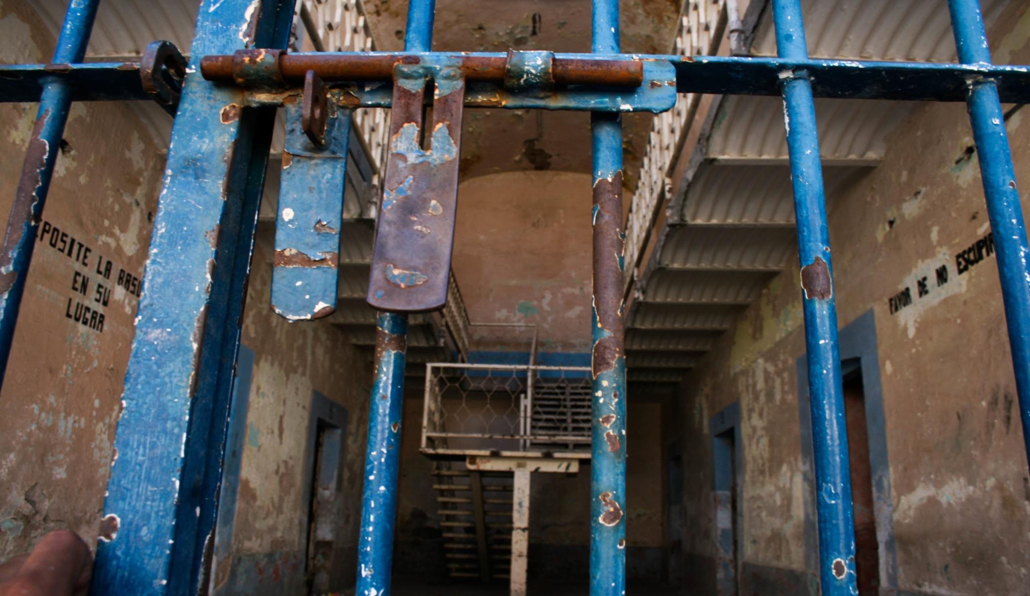 En este momento estás viendo Prisiones cubanas. El Tratamiento Búlgaro y Fidel Castro.