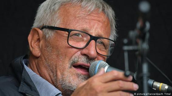 Cuba paga intelectuales alemanes para defender su dictadura.