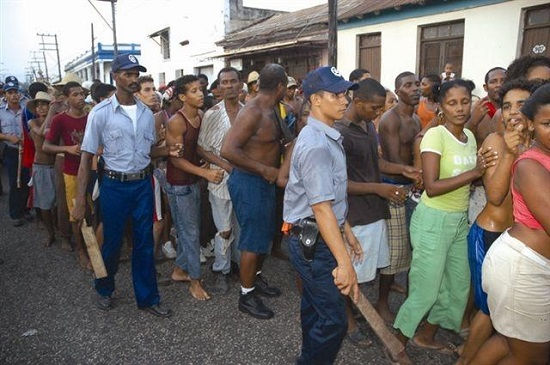 En plena crisis alimentaria se pudre cosecha en Cuba .