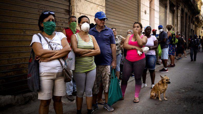 Lee más sobre el artículo España suspende trámites esenciales por Coronavirus en Cuba.