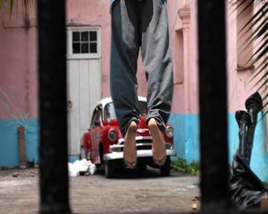 Lee más sobre el artículo Cuba: La represión de una dictadura que lleva al suicidio.