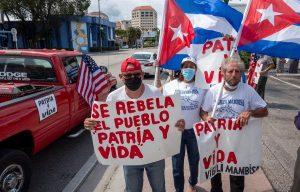 """Declaran la guerra a dos millones de """"terroristas"""" cubanos."""